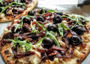 Yummy-Blueberry-Feta-Carmelised-Onion-Flatbread